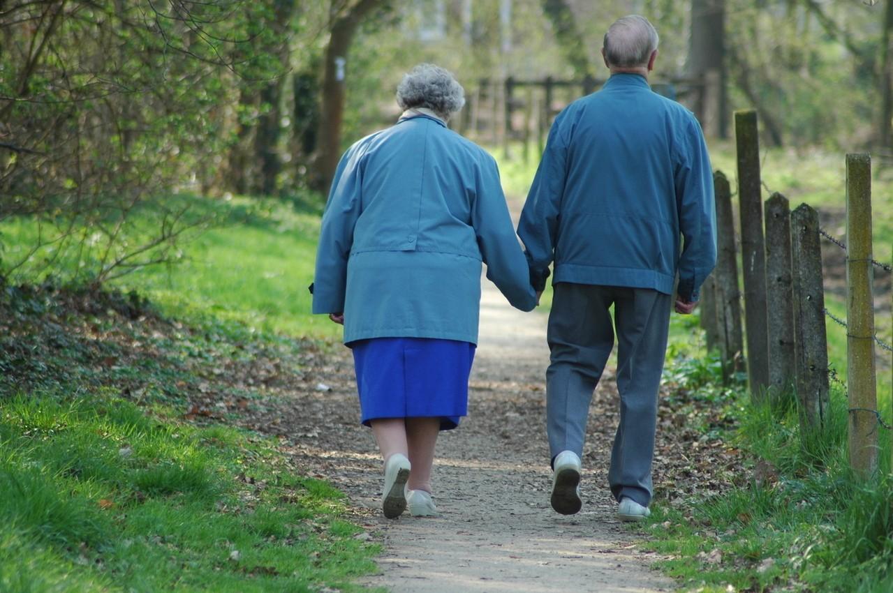 Przy opiece nad osobami starszymi trzeba mieć odpowiednią wiedzę